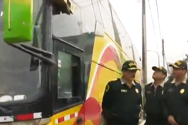 LOS OLIVOS: INTERVIENEN BUS QUE TRANSPORTABA VENEZOLANOS ILEGALES [VIDEO]
